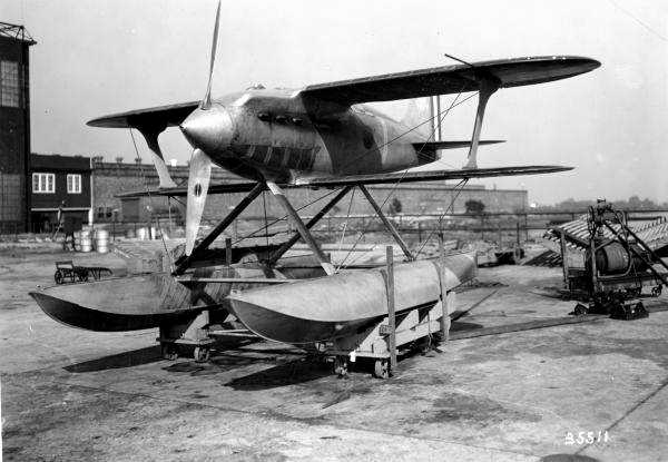A 10/14/1926 Photo Of A Beautiful Curtiss R3C Floatplane Racer At The  Philadelphia Naval Airplane Factory.