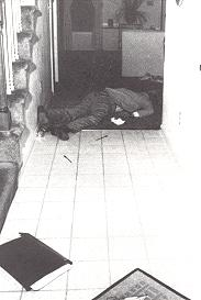 Crime scene photograph of murder victim Gregg Smart.